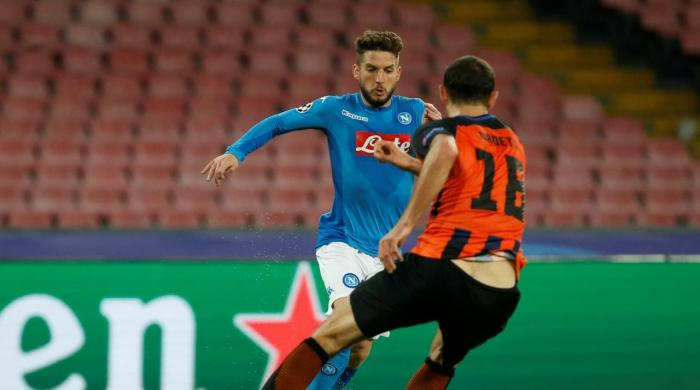 Napoli keep hopes alive with convincing win over Shakhtar