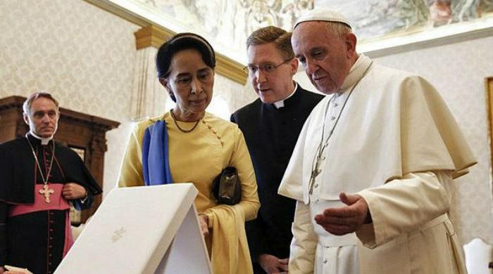 Pope to meet Rohingya refugees in Bangladesh