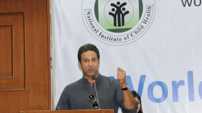 Wasim Akram, wife Shaniera spend day at NICH for diabetes awareness