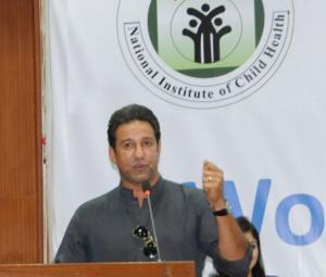Wasim Akram, wife Shaniera spend day at NICH for diabetes awareness