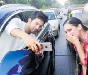 Varun Dhawan earns a warning for a selfie in Mumbai traffic