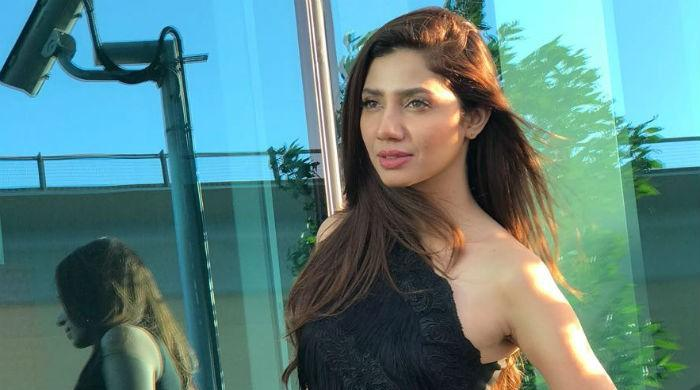 WATCH: Mahira Khan shakes it up in Dubai