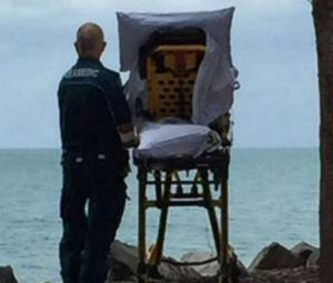 Ambulance crew grants dying woman's last wish to visit the beach one last time