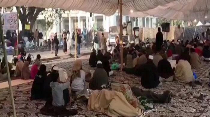 Sit-in continues in Lahore despite Faizabad agreement