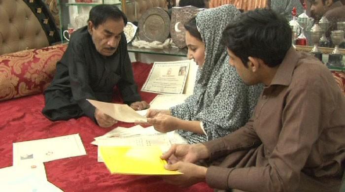 Pashto drama actors work at hotels, shops to make ends meet