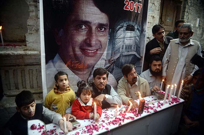 Image result for Peshawar pays tribute to Shashi Kapoor