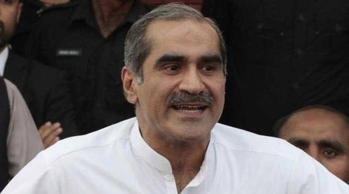Saad Rafique criticises Zardari over failure to clear Karachi of garbage