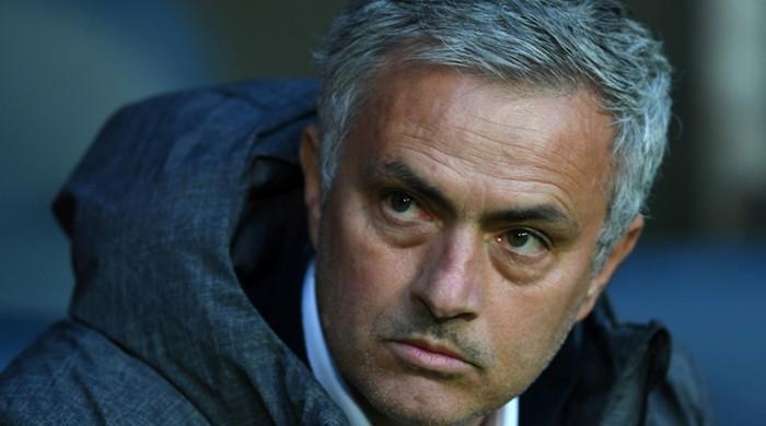 Mourinho unsure if United can deny City Premier League title