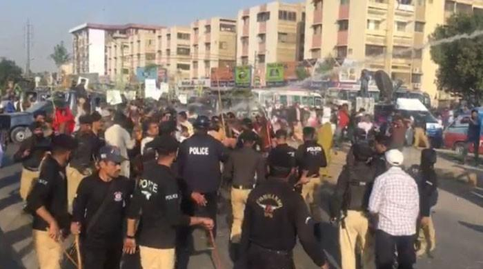 Police use force to disperse protesting farmers near Bilawal House