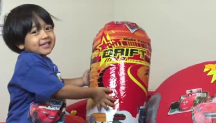 Six-year-old earned US$11 million reviewing toys on Youtube