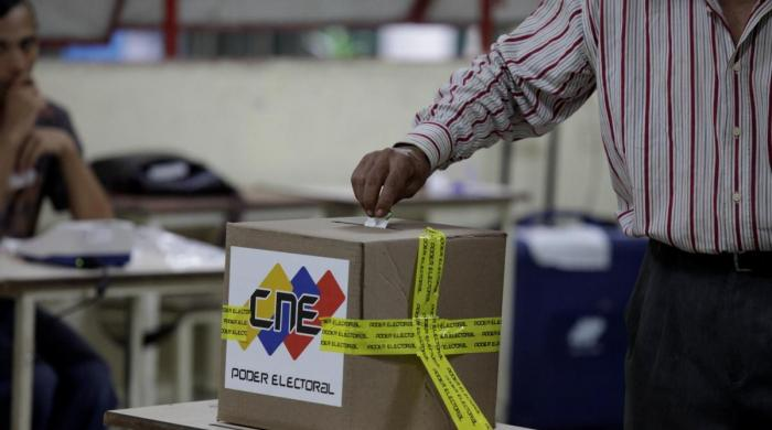 Buoyed by mayoral votes, Venezuela socialists eye presidency race