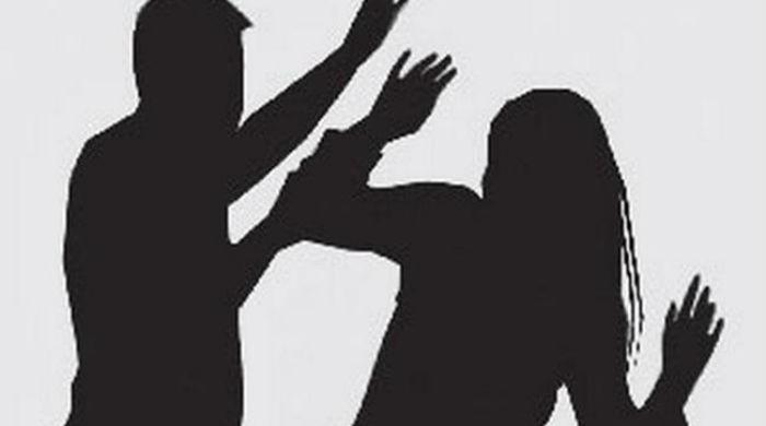 Man assaults wife, forces her to drink acid in Gujranwala