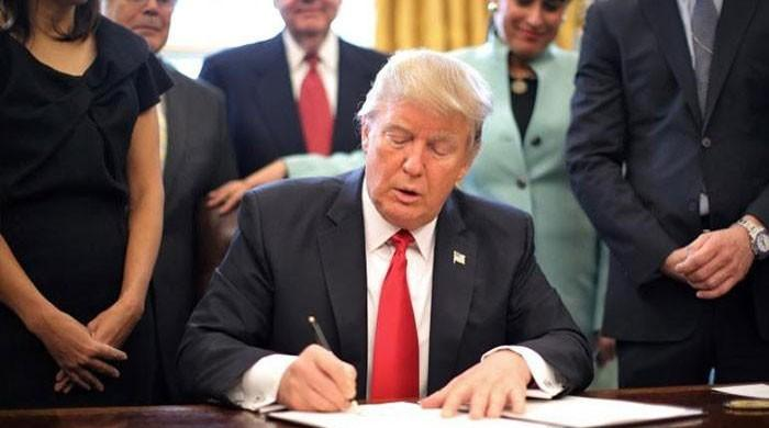 Trump signs nearly $700b US defence bill; Pakistan to get $700m under CSF