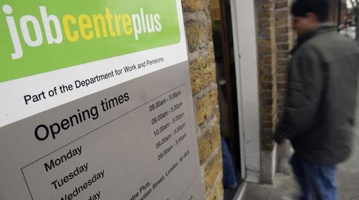 UK jobless rate holds at lowest since 1975