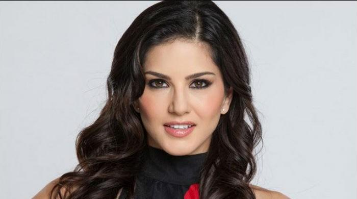 Indian protesters threaten to commit suicide over Sunny Leone's performance