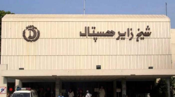 Young doctors, paramedical staff clash at Lahore hospital
