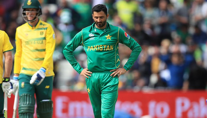 Junaid Khan out of New Zealand tour with stress fracture