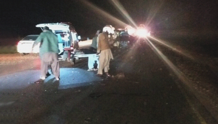 10 killed, 15 injured in road accident in southern Pakistan