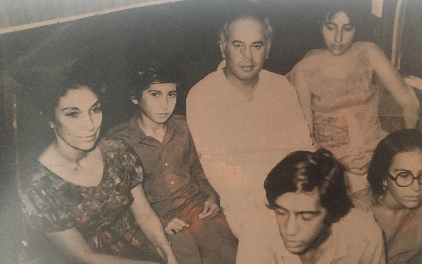 Benazir bhutto autopsy photos 104 best World Best Studio Photographers images on Pinterest