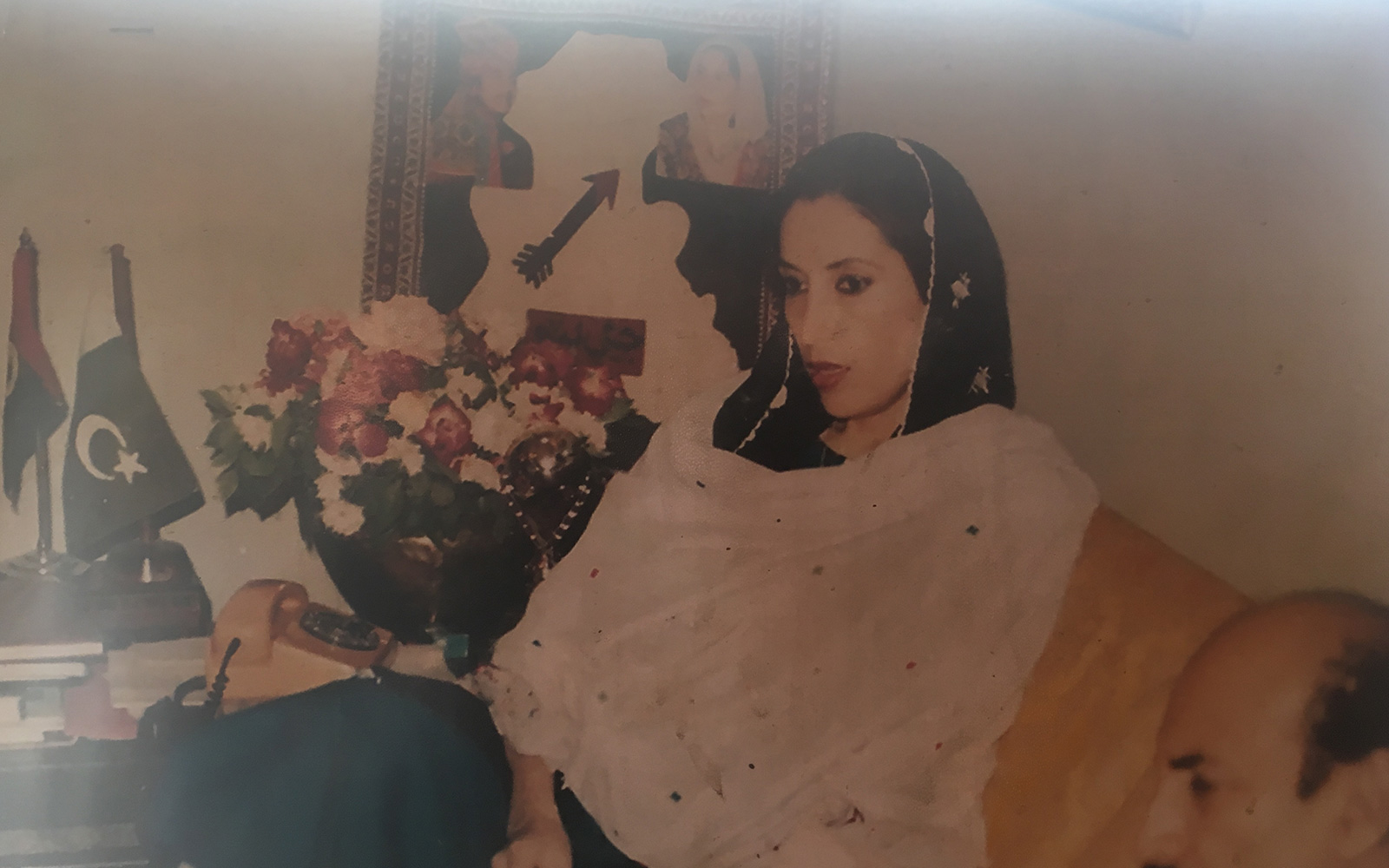 Benazir bhutto autopsy photos Aftermath of an Assassination - Photo Essays - TIME