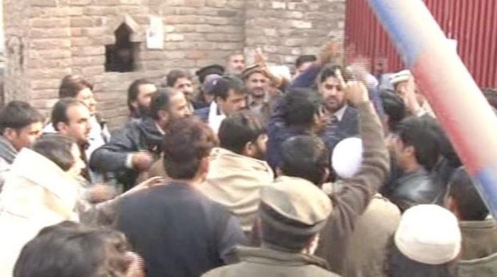 SHO in Peshawar suspended after policemen clash with local councillor