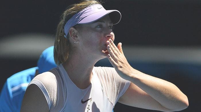 Sharapova and Kerber light up Australian Open