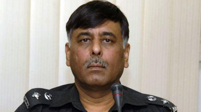 SSP Rao Anwar escapes suspected suicide attack in Karachi