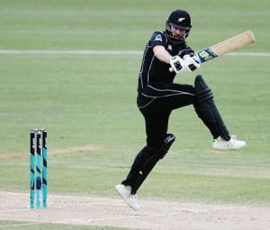 Improved Pakistan batting in vain as New Zealand win 4th ODI