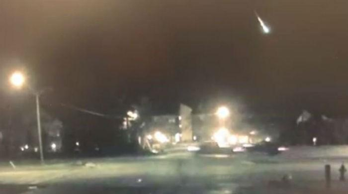 Aliens, apocalypse, lightning? ... No, just a meteor rocking Michigan