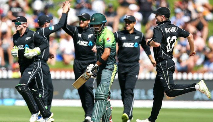 Guptill, Henry lead Kiwis to ODI series sweep against Pak