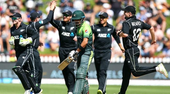 Yamin resistance in vain as New Zealand sweep Pakistan 5-0
