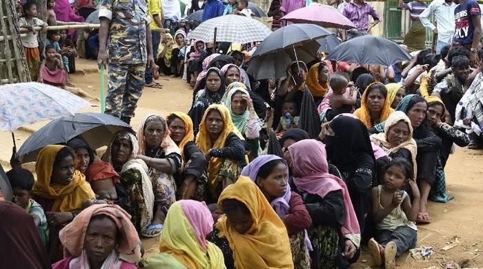 Bangladesh delays Rohingya refugee return