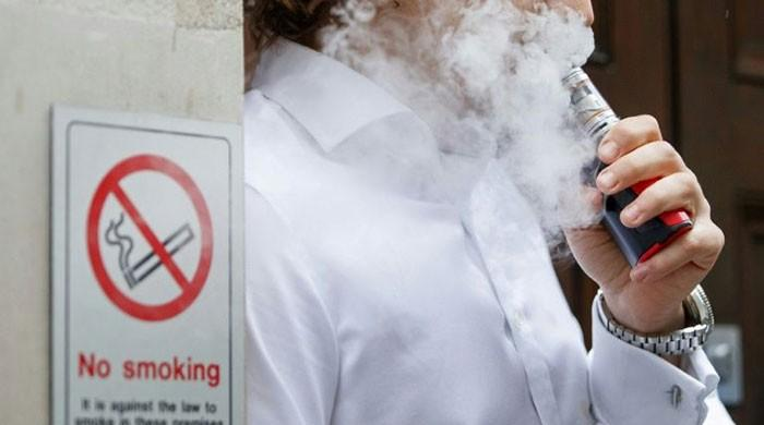 Vaping may boost pneumonia risk: study