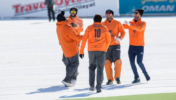 Shahid Afridi's side prevails in Ice Cricket opener