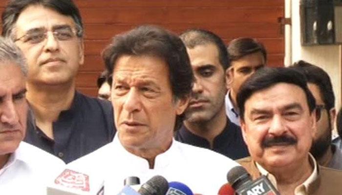 Imran Khan violates ECP code, participates in NA-154 Lodhran rally