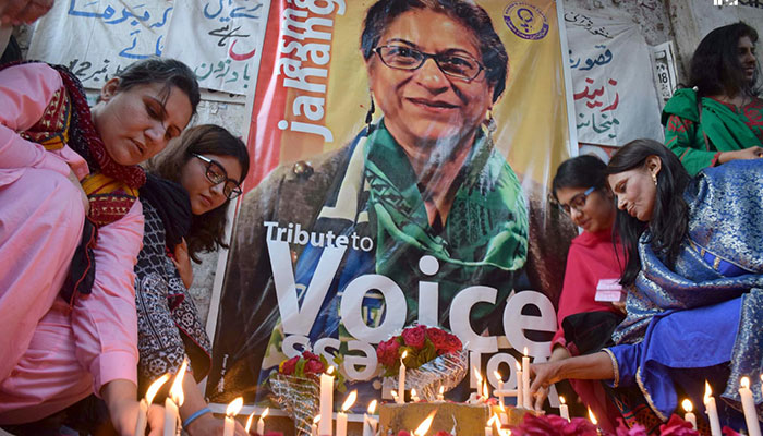Civil Society lighting candles in memory of Asma Jilani Jahangir a human rights lawyer and social activist who co-founded and chaired the Human Rights Commission of Pakistan. INP