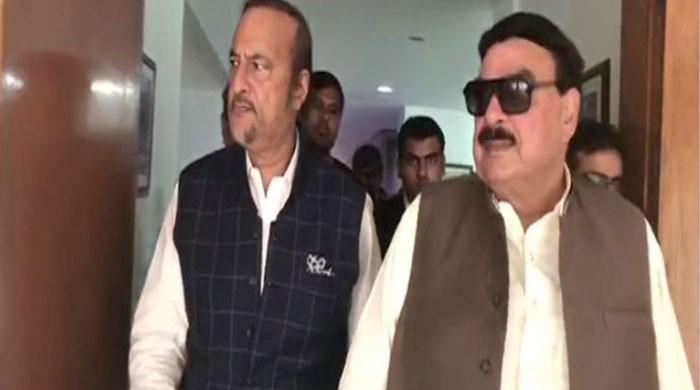 Sheikh Rasheed submits details of Rs200 billion LNG scandal to NAB