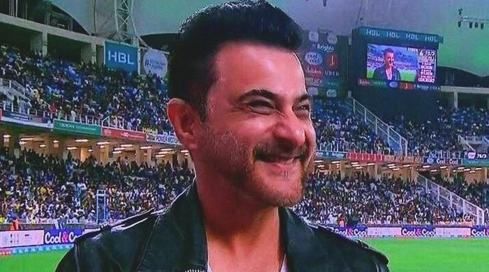 Sanjay Kapoor spotted supporting Peshawar Zalmi at PSL 3 opening ceremony