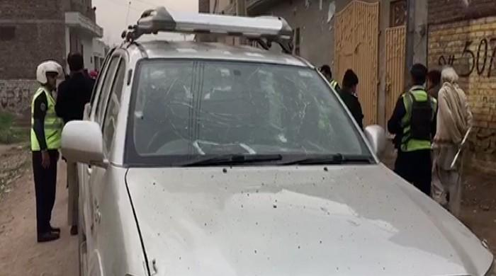 PDMA deputy director, two others injured in Peshawar explosion