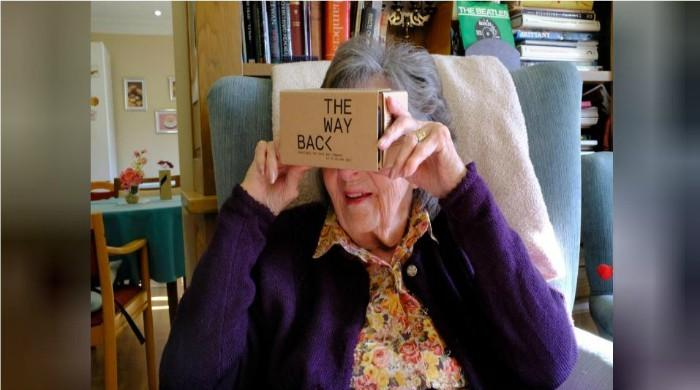 Virtual reality coronation takes dementia patients down memory lane
