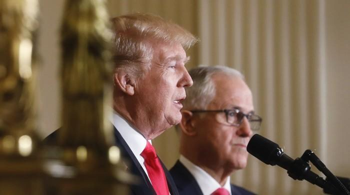 Trump, Turnbull put on show of 'mateship' at the White House
