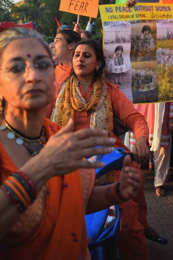 Sheema Kirmani, a social activist, theater director, and an exponent of Bharatnatyam dance, alongside fellow women in the Aurat March 2018 held at Frere Hall, Karachi, Pakistan, March 8, 2018. Geo.tv/Author