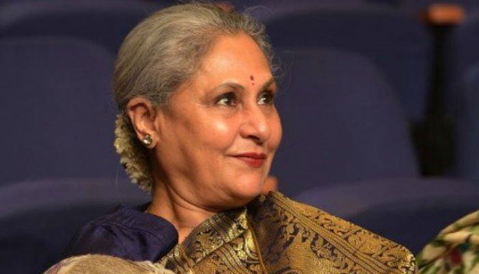 Wife Jaya Bachchan anxious  over Big B's pain, due to heavy costumes