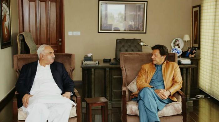 PML-N MPA from Faisalabad jumps ship to PTI