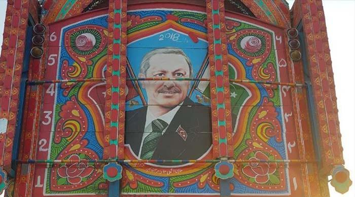 Pakistani truck art features Turkish president