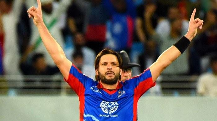 Shahid Afridi becomes first Pakistani to take 300 T20 wickets