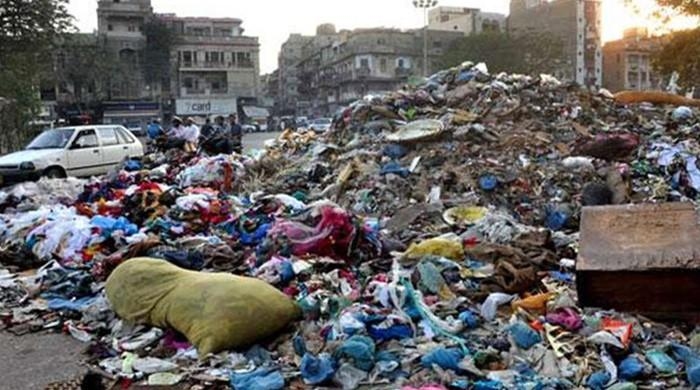 CJP issues deadline to clean Karachi within a week
