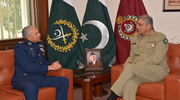 CAS Air Chief Marshal calls on COAS at GHQ