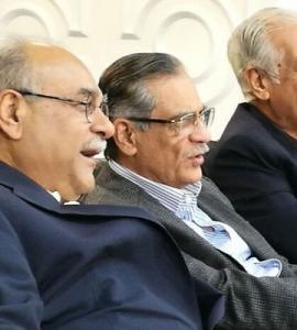 Chief justice watches Zalmi vs Kings match at Gaddafi stadium