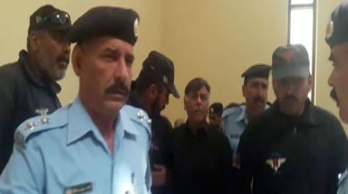 Rao Anwar arrested on CJP's directive after surprise court appearance
